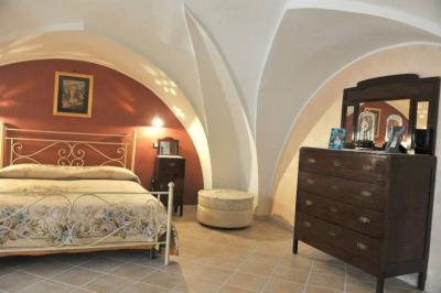 Casa messapia antica casa salentina con volte a stella for Case antiche ristrutturate