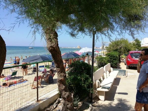 Vacanza nel salento appartamento in riva al mare a torre for Affitti al mare