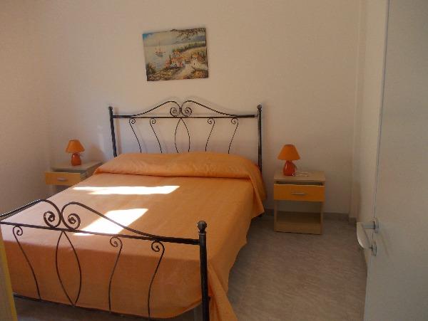 Foto 10: camera appartamento