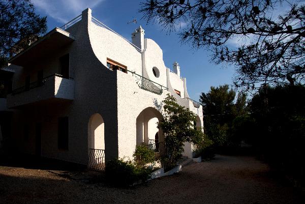 Il prospetto di villa Gariga