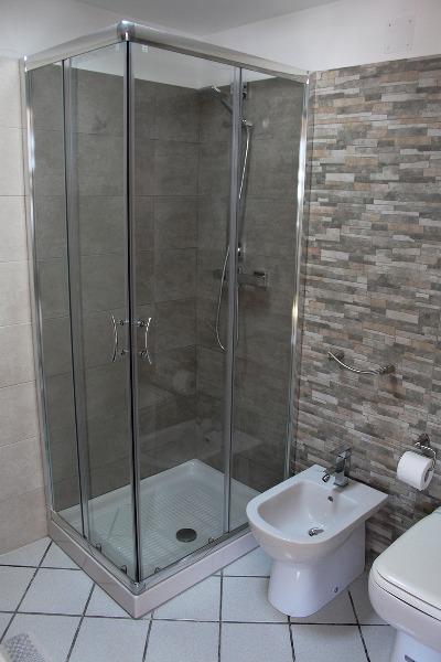 Foto 46: Casa Nettuno - Bagno con box doccia in Terrazza