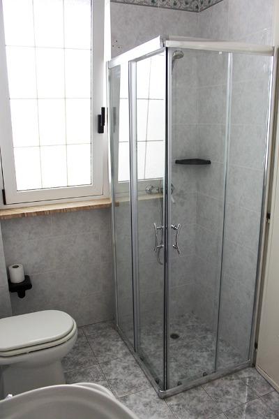 Foto 23: Casa Nettuno - Bagno con box doccia Piano terra
