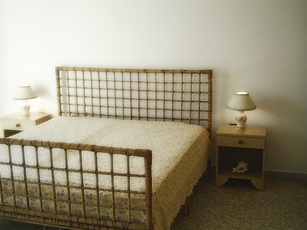 Camera da letto con balcone-Secondo piano
