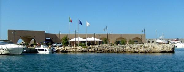 Foto 15: Il porto turistico