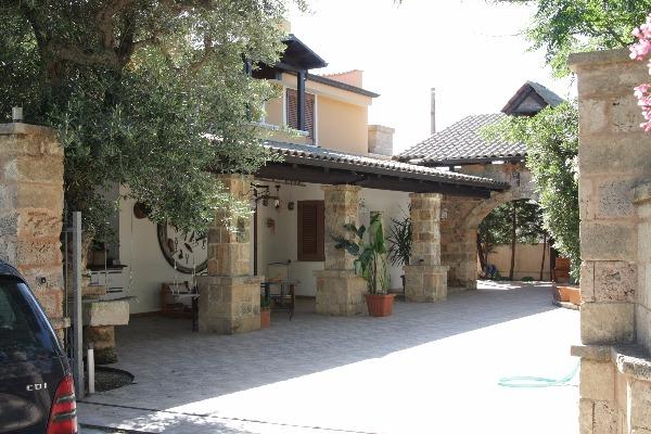 Villette per gruppi di famiglie o amici - Scale ingresso esterno ...