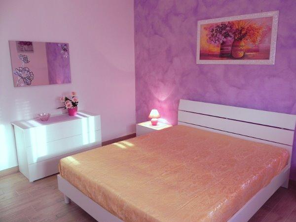 Foto 2: Camera da letto villino glicine