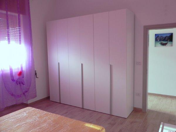 Foto 3: Camera da letto villino glicine
