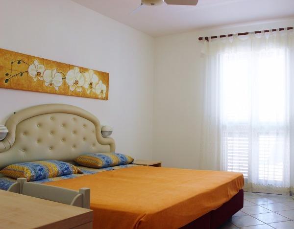 Due appartamenti in centro torre san giovanni 10 minuti a for Piani camera da letto del primo piano