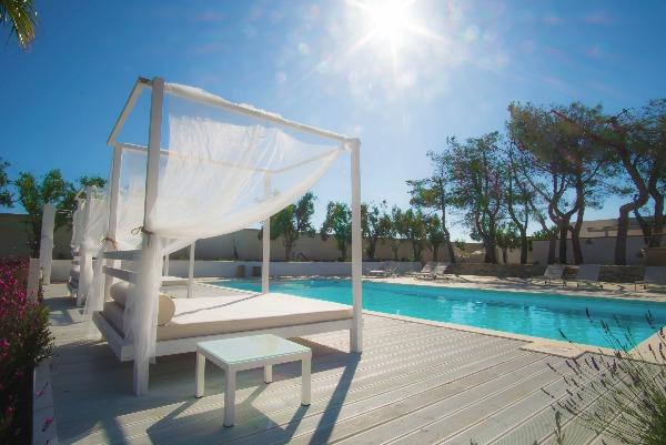 Ville a Torre San Giovanni. Il Giardino TerraNostra – le 4 villette con piscina nel Salento