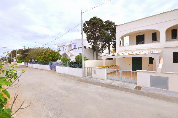 Foto 3: Fronte appartamenti
