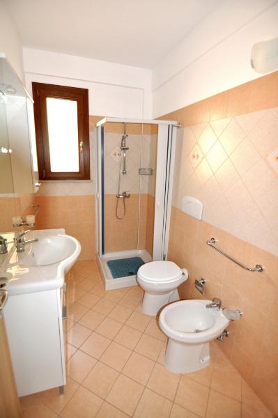 Foto 14: Bagno appartamento grande 2