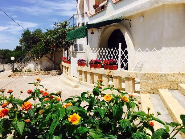 Foto 7: esterno miniappartamento Marechiaro