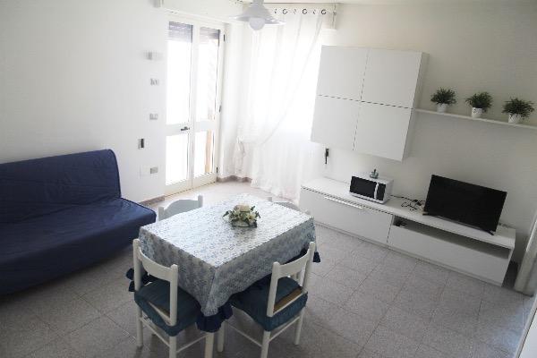 Foto 16: soggiorno con un divano letto matrimoniale (si possono aggiungere 2 letti singoli o 2 culle)