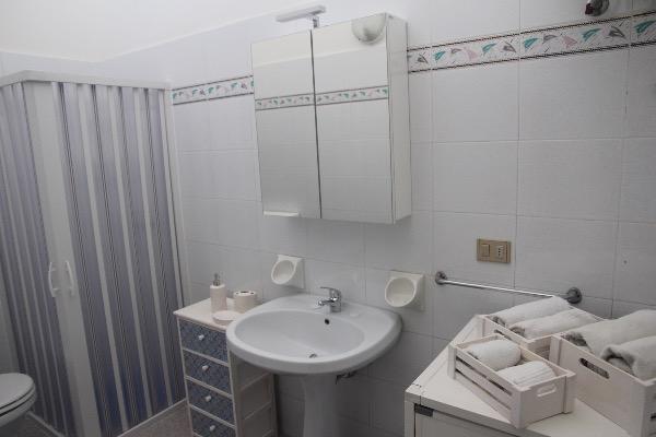 Foto 18: bagno con doccia bidet, wc e lavatrice