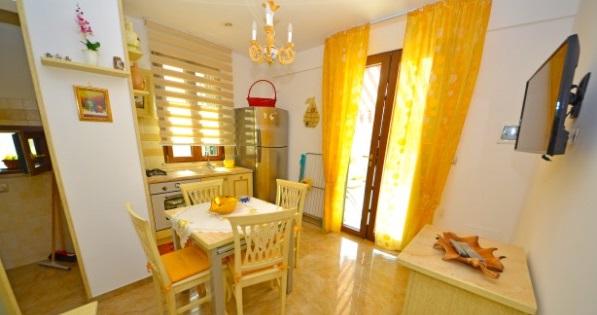 Foto 9: Cucina appartamento 1