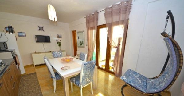Foto 1: Cucina appartamento 2