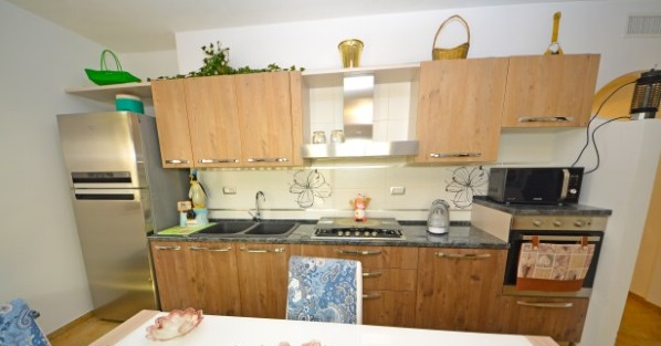 Foto 2: Cucina appartamento 2
