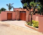 Due appartamenti adiacenti a 700 metri dalla spiaggia di sabbia di Lido Sabbioso - Visualizza foto e altri dettagli.
