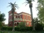 Appartamenti a Cutrofiano in Puglia. Appartamento-casa indipendente arredato immerso nel verde
