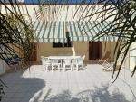 Lido Marini: Lido Marini <b>ad appena 50 mt dalle incantevoli spiagge</b>. Piano terra con 3 camere da letto, 2 ampie cucine/soggiorno con divano letto, 2 bagni, ampia veranda privata posteriore con giardino.