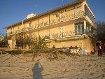 Delizioso appartamento sul mare nel Villaggio Scalo di Furno - Visualizza foto e altri dettagli.