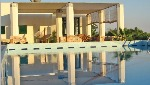Villa con piscina e vista mare - Visualizza foto e altri dettagli.