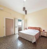 Appartamenti a Torre San Giovanni. Bella casetta di mare che si trova a 80 metri dalla scogliera e dalla movida.
