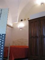 AFFITTASI casa antica - Visualizza foto e altri dettagli.