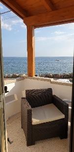 Appartamento bilocale a 20 metri dal mare - Visualizza foto e altri dettagli.