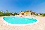 Ville a Melissano in Puglia. Villa con Piscina 4 camere 3 bagni Salento Luxury